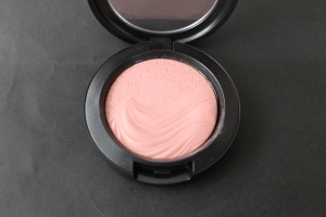 MAC At Dusk Blush. Photo by www.somethingtoconsiderblog.com
